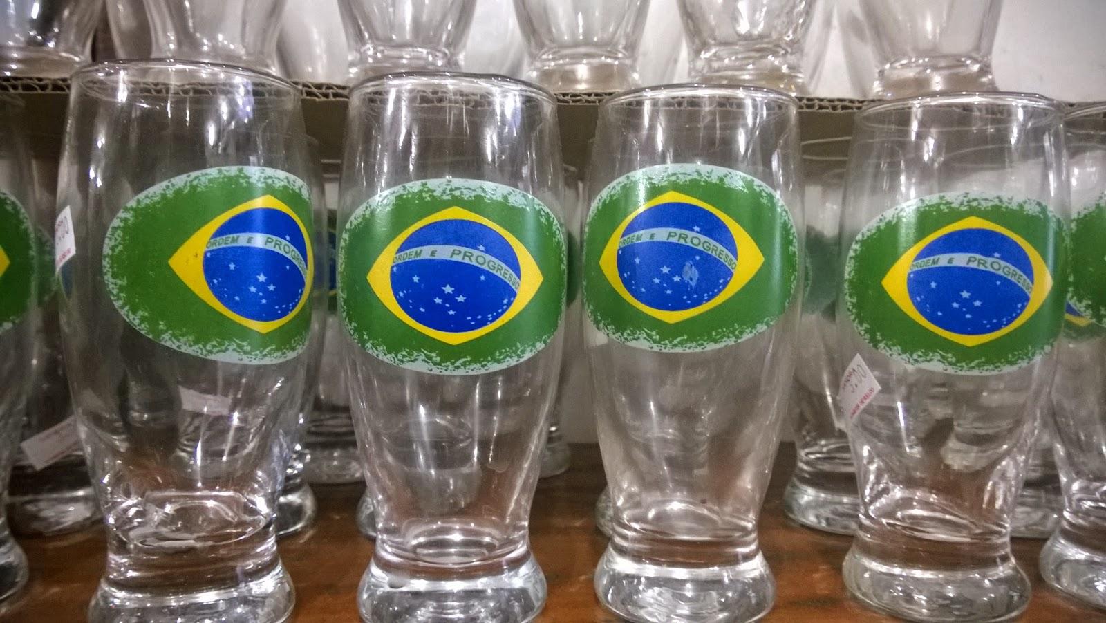 copo tulipa com a bandeira do Brasil para Copa nas lojinhas de 1,99