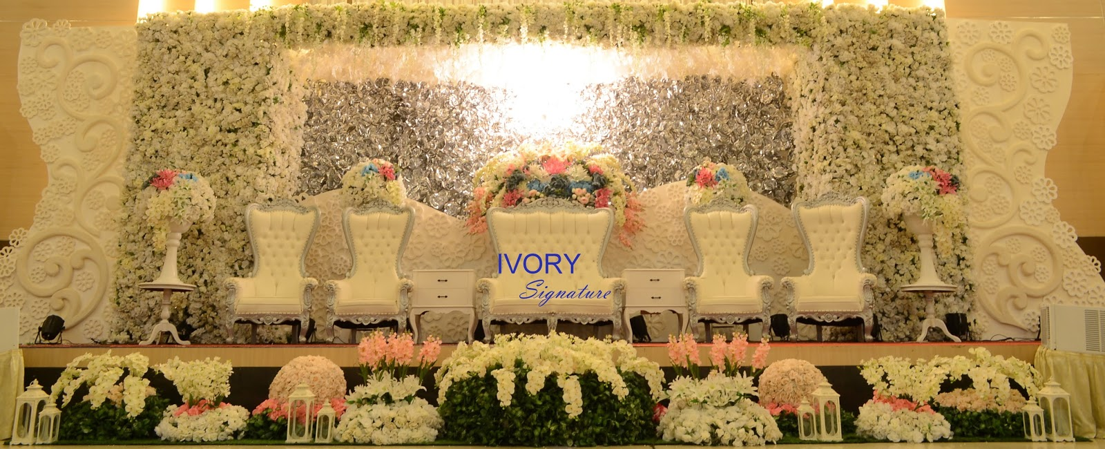 Ivory signature catering and decoration by ivory signature fenty figgy wedding sunday august 30th 2015 balai sartika bikasoga bandung junglespirit Choice Image