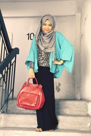 In Hijabi Fashion Week May - June 2012 (LoveHFW.com)