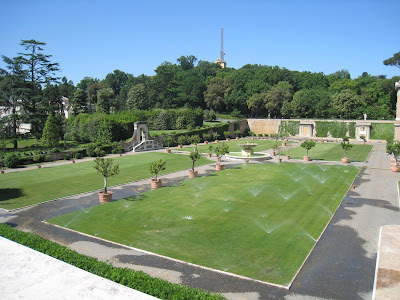 Gardens-in-the-Vatican-Museums-Rome-Italy