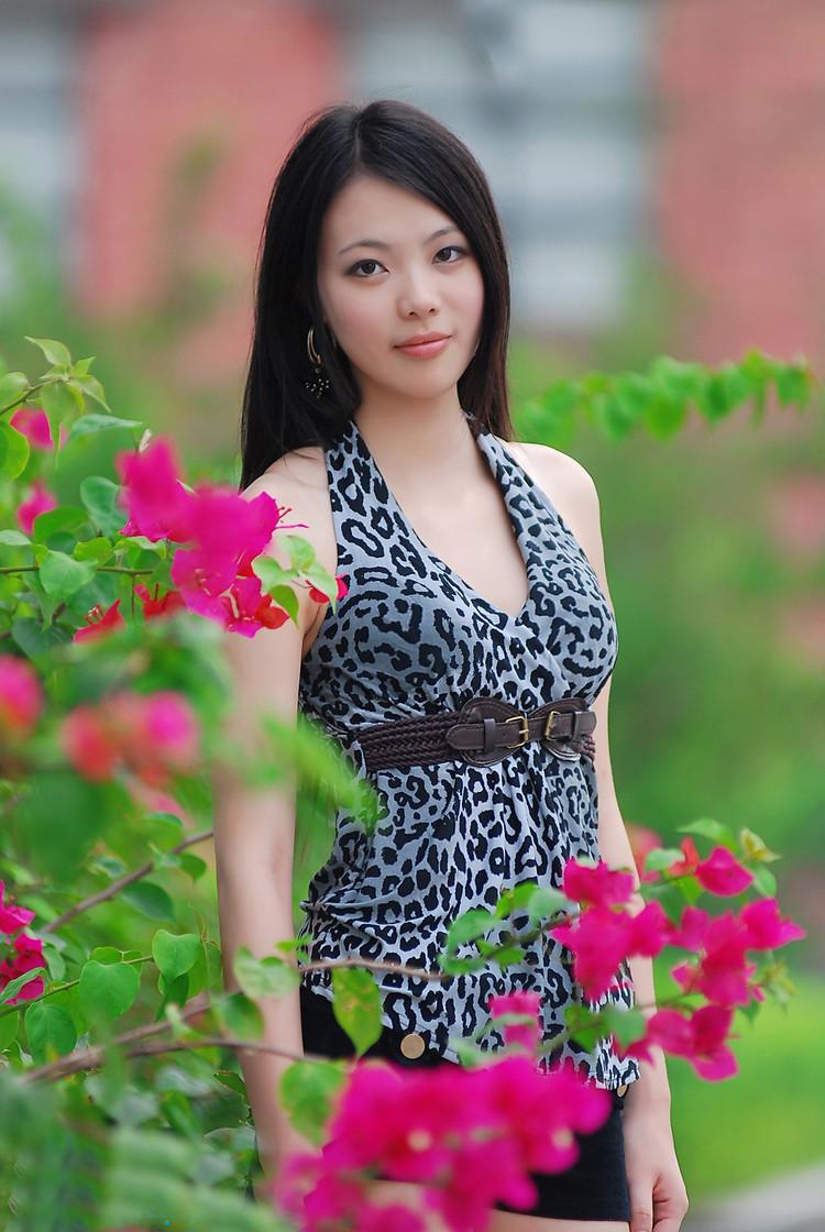 有我有你才有情歌 (yǒu wǒ yǒu nǐ cái yǒu qíng gē),- Only when there is you and me then there is love song, 希望你常常记得 (xī wàng nǐ cháng cháng jì de),- I hope you always remember,