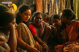 Sivappu-Heroine-Rupa-Manjari-Stills