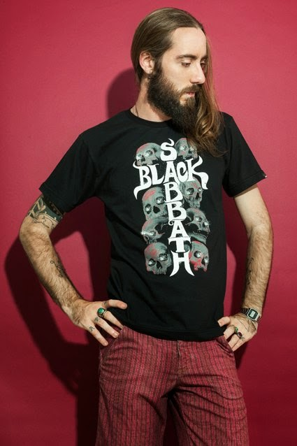 http://chicorei.com/camiseta/black-sabbath-1624.html