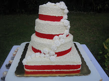 Pastel de bodas b y rojo