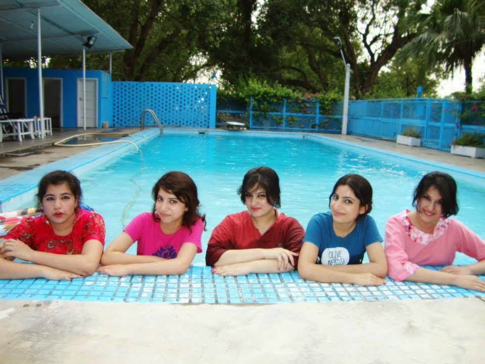 pool hindu single women Nudity may be acceptable in public single-sex  at a beach, swimming pool  per their islamic mores of modesty the sari worn by hindu women extended .