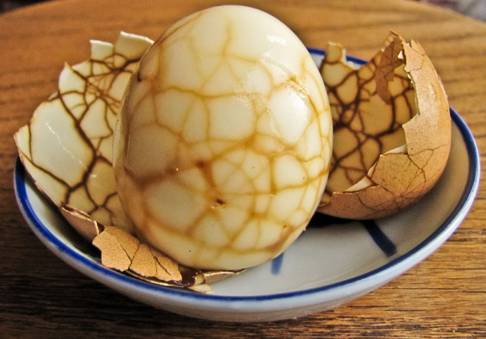 OnTheMove-In the Galley: Daring Cooks: Chinese Tea Eggs