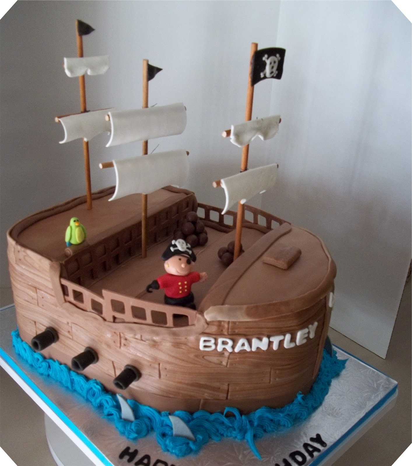 Bobbies Cakes And Cookies A Pirate Ship Cake Arrrrrgh