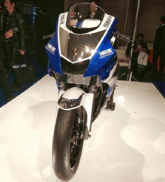 Detail Hot Yamaha R25 Konsep