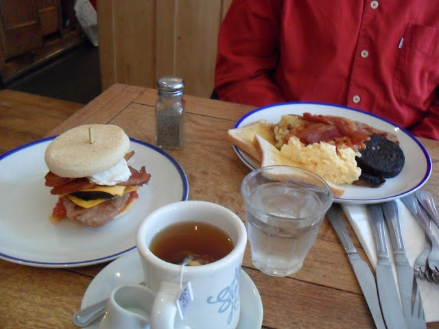 Lucky 7's Breakfast Muffin and Full Breakfast at Home Sweet Home Manchester