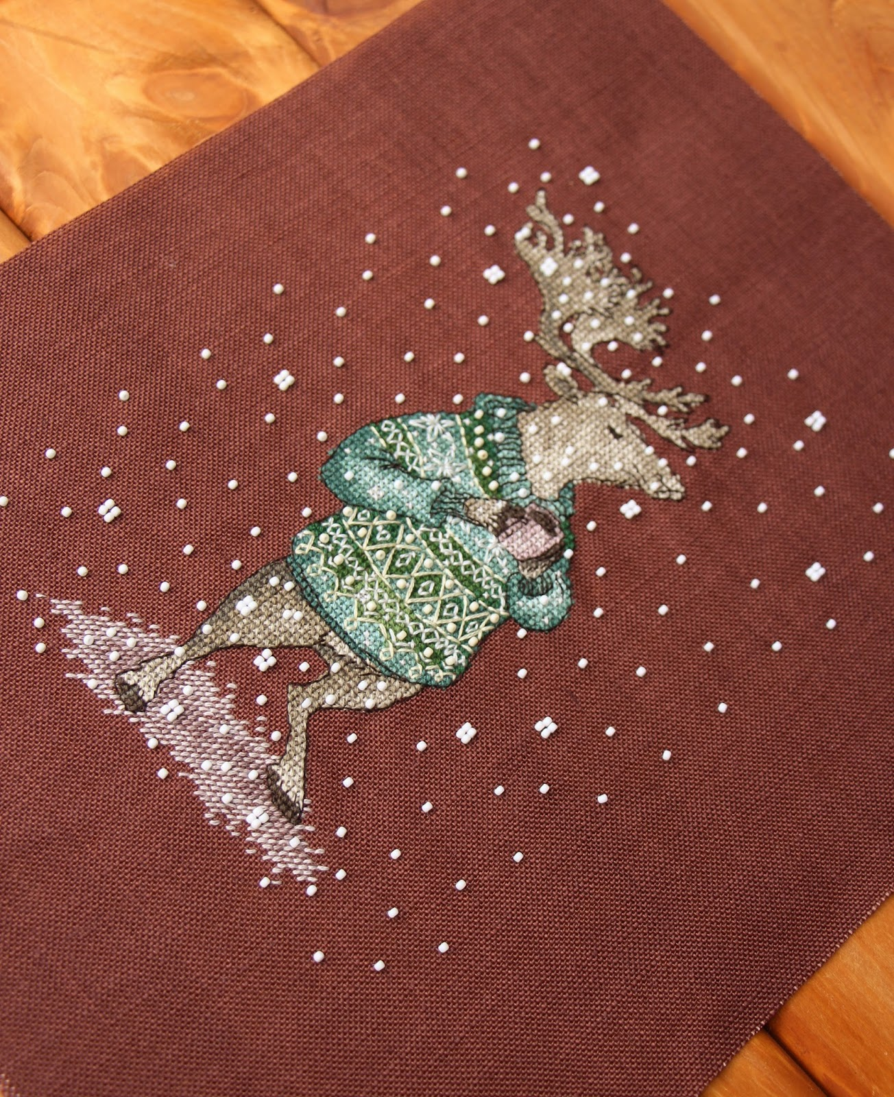 Вышивка животные в свитерах с кружкой 64