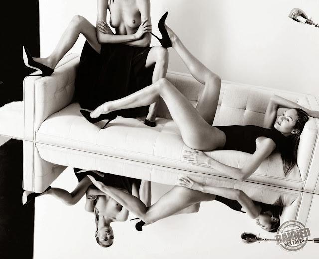 candice swanepoel exposing sexy legs