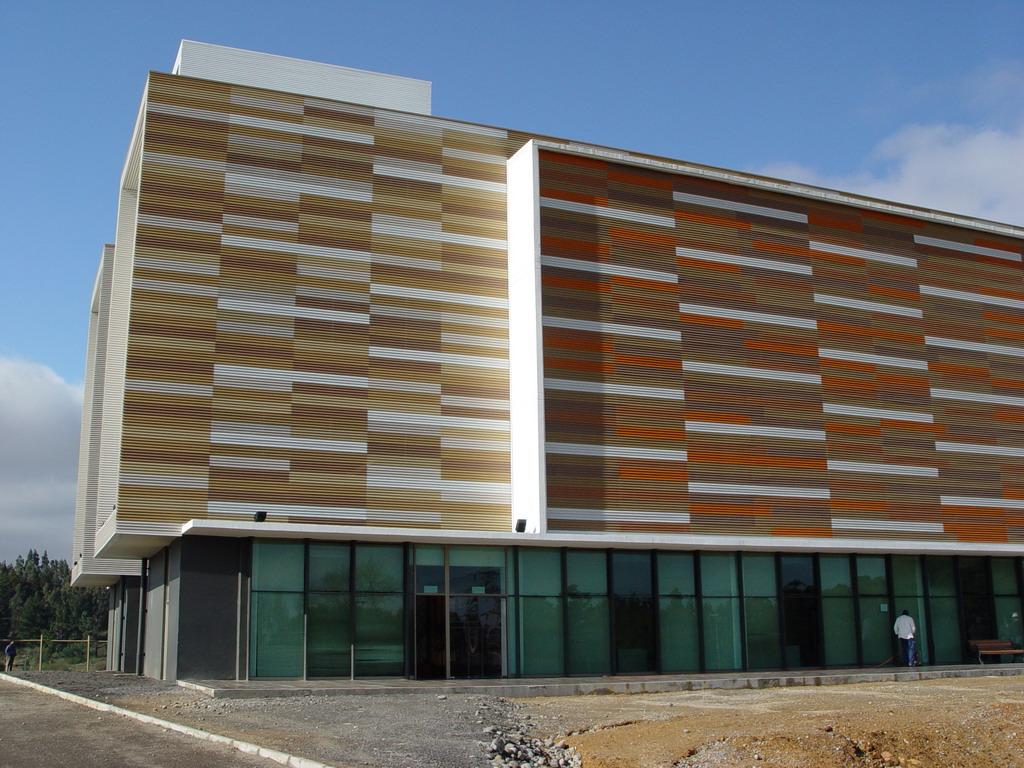 Art culos de estructura construcciones met licas y - Recubrimientos para fachadas ...