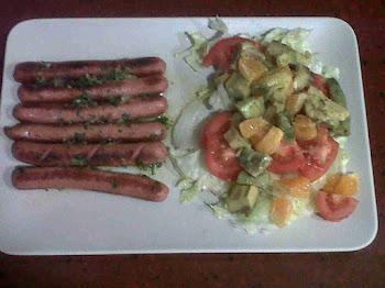 Plato combinado: Franfurt con ensalada