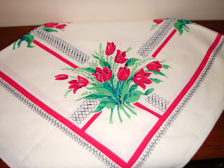 red tulip table cloth
