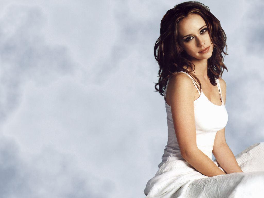 Hollywood actress jennifer love hewitt bikini wallpapers - J love wallpaper download ...