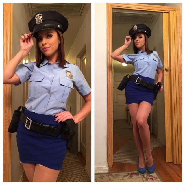 FotosNua.Com policial gostosa mostrando a buceta