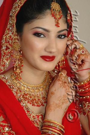 Indian Bridal Makeup Looks  Shadi Pictures
