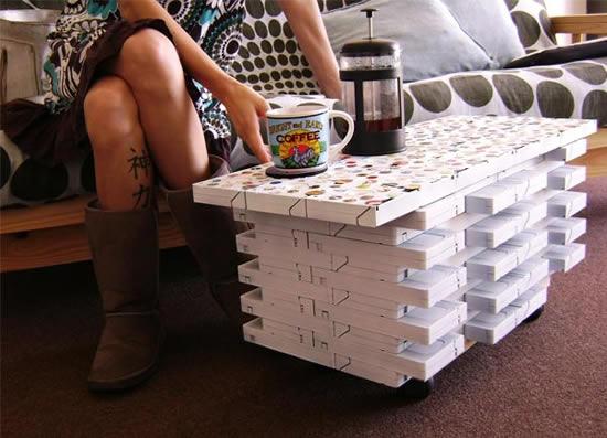 Vivere verde tavolino fatto con cassette vhs for Tavolino con cassette