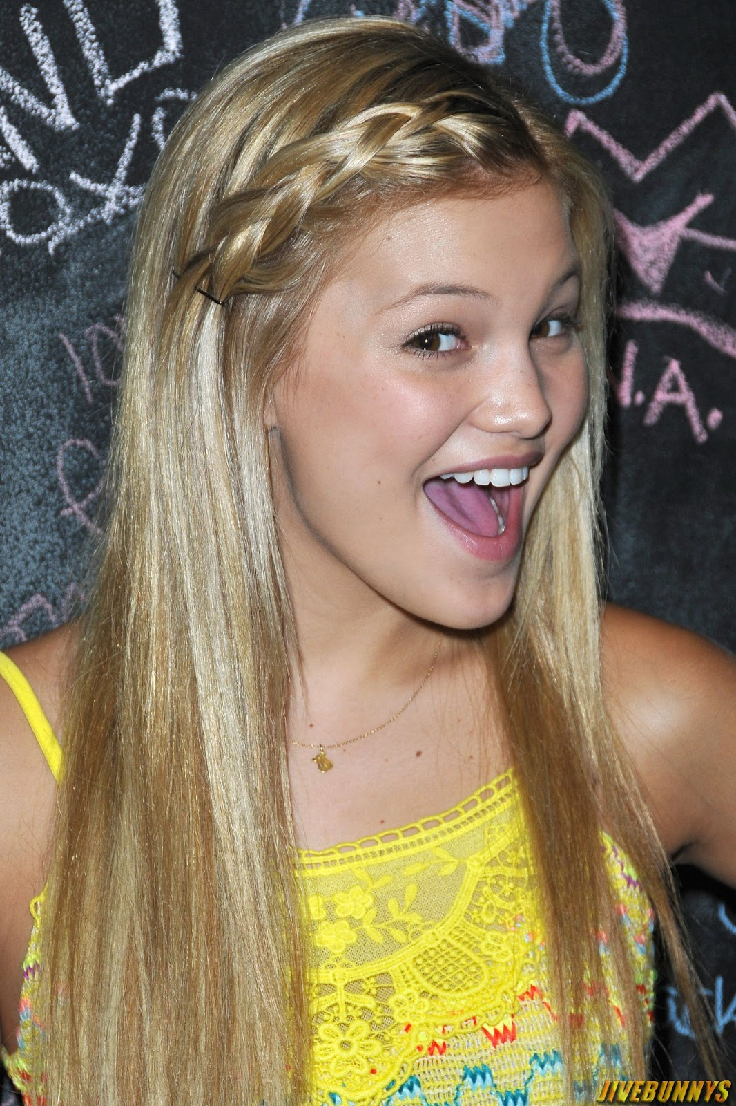 Olivia Holt Cute Blonde Actress S Gallery