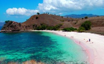 bentuk pantai pink lombok