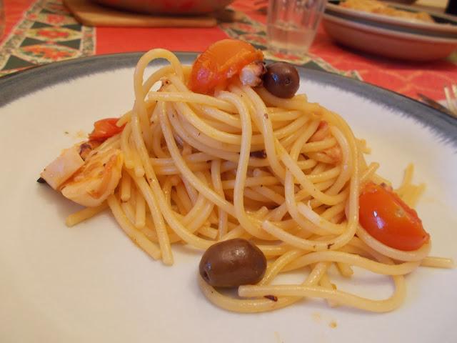 spaghetti al polipo e olive taggiasche