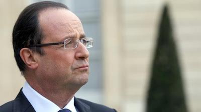 Finalement, Hollande reçoit à l ' Elysée des parlementaires PS
