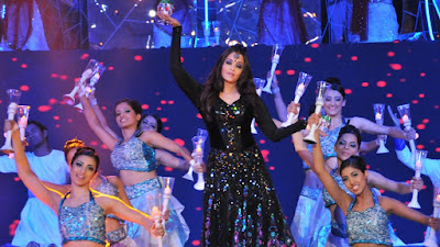 Aishwarya Rai Performing in ISL 2017 Opening Ceremony