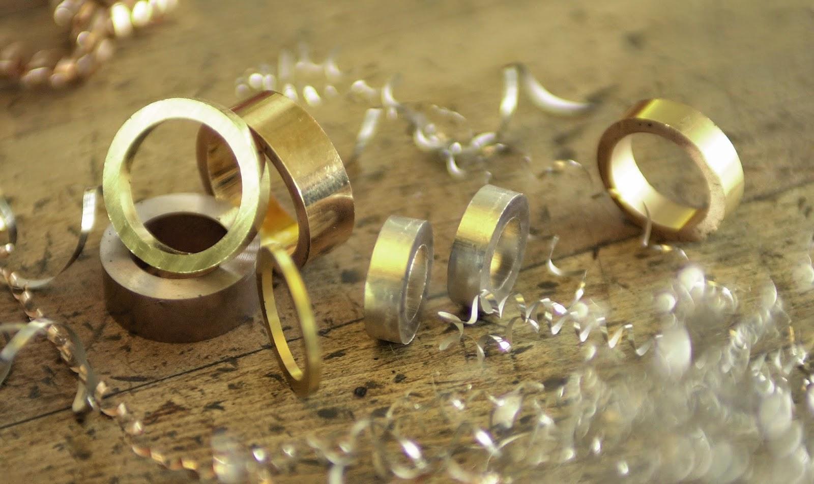 FURRER JACOT フラージャコー 名古屋 結婚指輪 栄 スイス 鍛造 ゴールド クオリティ
