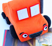 http://translate.googleusercontent.com/translate_c?depth=1&hl=es&rurl=translate.google.es&sl=en&tl=es&u=http://www.makeit-loveit.com/2010/12/felt-toy-truck-little-boy-gift-idea.html&usg=ALkJrhjzHNCo58hyBnRqKsC3Urc3nOwvbg