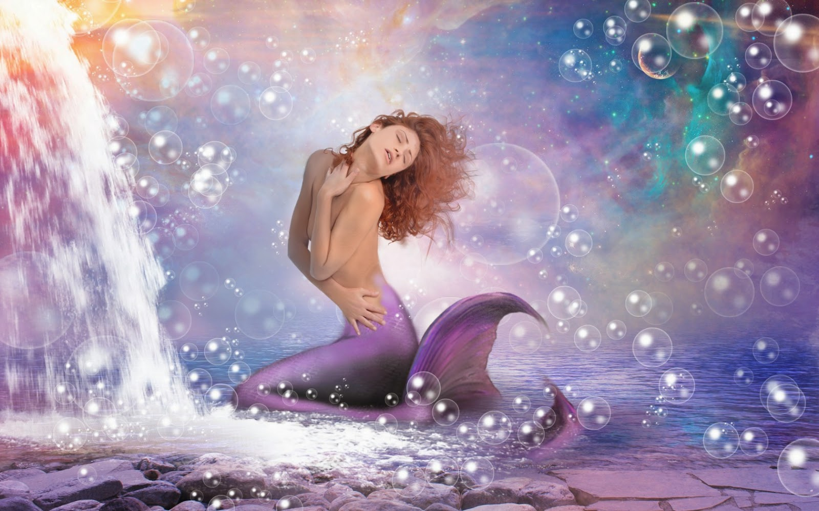 hot-mermaid-top-picture-with-less-bubbles-light-photoshop-design-1680x1050.jpg