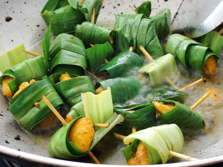 how long to fry pandan chicken?