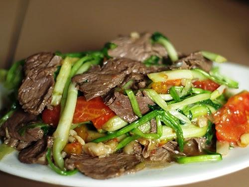 Cách làm món thịt bò xào rau cần nước ngon