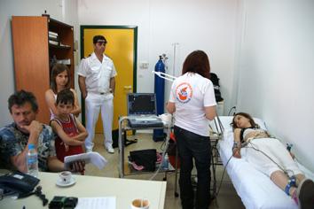 Ιατρών και νοσηλευτών, 19 άτομα, της