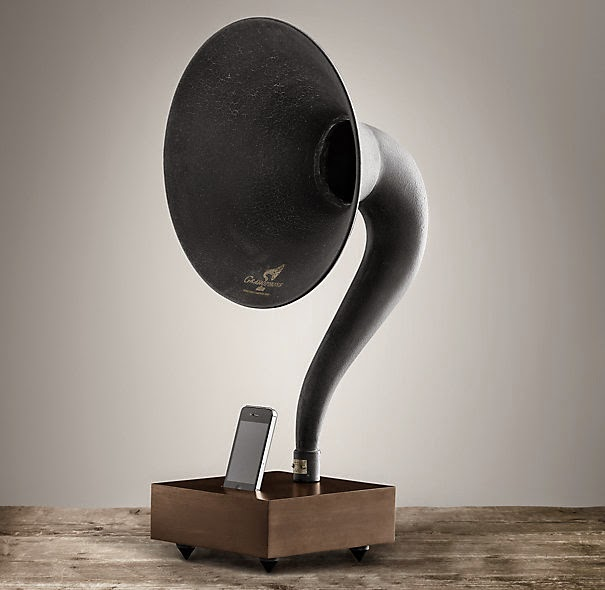 IPHONE GRAMOPHONE