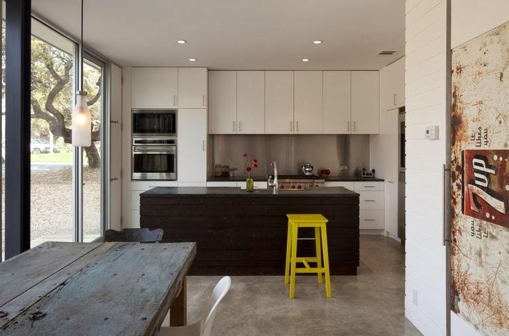 10 mesas hechas con puertas antiguas ideas eco for Mesas hechas con puertas antiguas