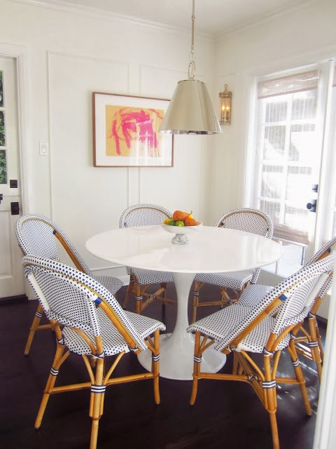 Via Coco Crazy, Kitchen Belonging To Carlyn Henry Paired The Saarinen Table  With Bistro Chairs.