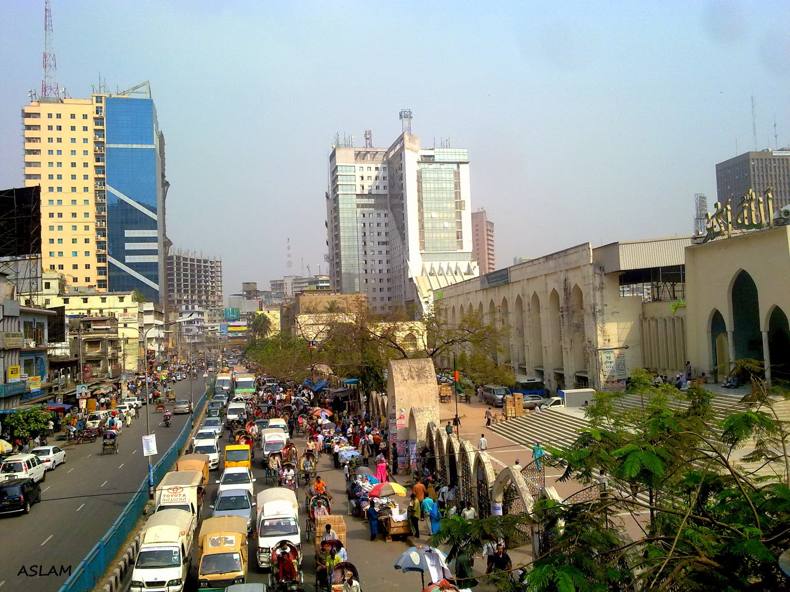 dhaka citys traffic jam and planned The study shown the causes of traffic congestion of dhaka, namely, inefficacy  and poor  violation of traffic rules, defective planning of city roads, excessive  vehicles, illegal occupancy of  'reasons behind the heavy traffic jam in dhaka  city.