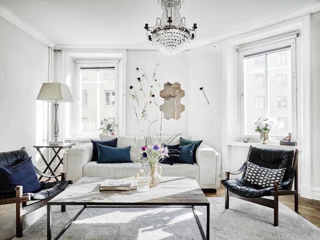 Interior n rdico con toques cl sicos y mucho glamour for Decoracion salon estilo nordico