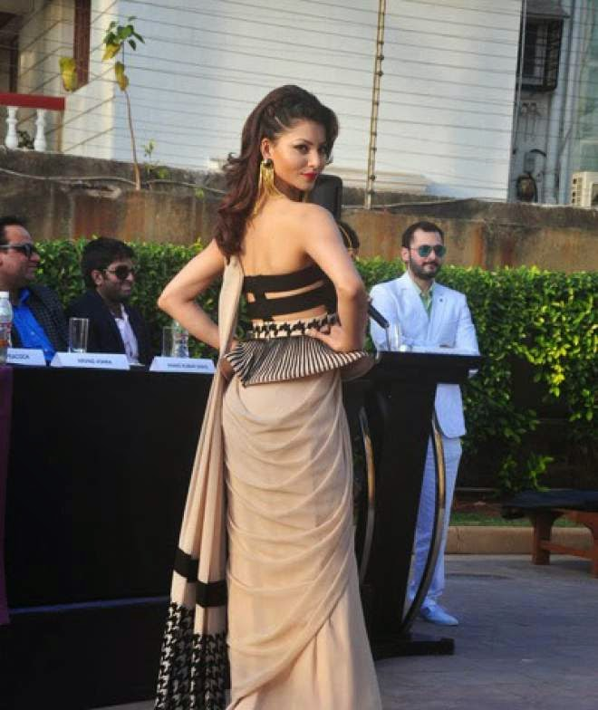 urvashi rautela india beach fashion week photos