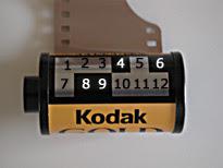 DX kode pada roll film kamera analog