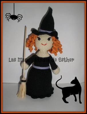 brula amigurumi con escoba realizada a crochet