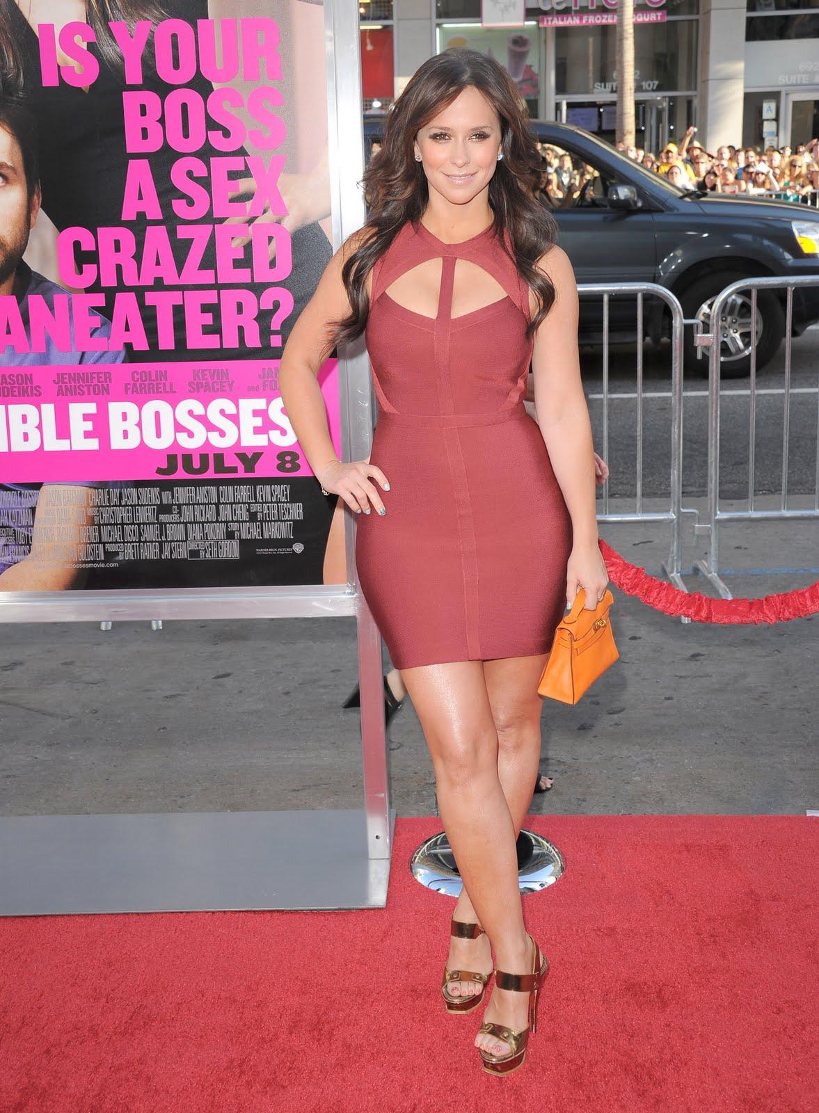 http://3.bp.blogspot.com/-eADeZAgjeUk/Tg7NIak9bjI/AAAAAAAAEKU/QgjzkE2hKzo/s1600/sploogeblog_jennifer_love_hewitt_cleavage_ass_minidress_06.jpg