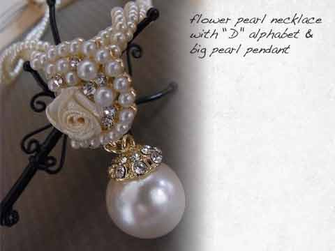 "FLower pearl necklace (""D\"" alphabet)"