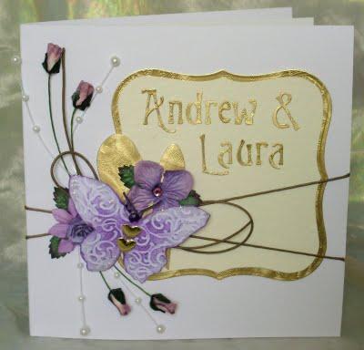 Invitación dorado con lila para boda