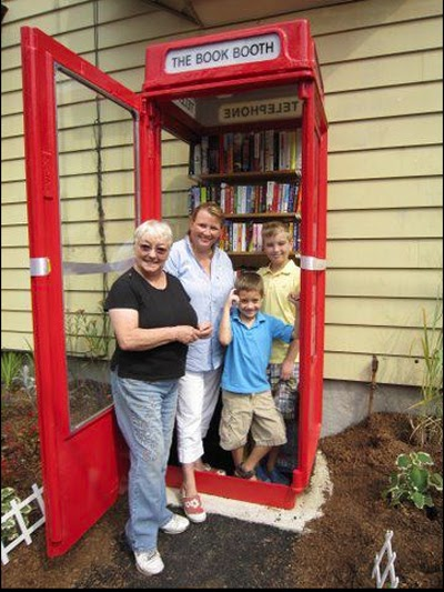 Booktryst The Smallest Public Library In The United States