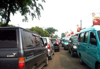 Kemacetan Lalulintas di jalan Tuparev , Polantas tidak ada