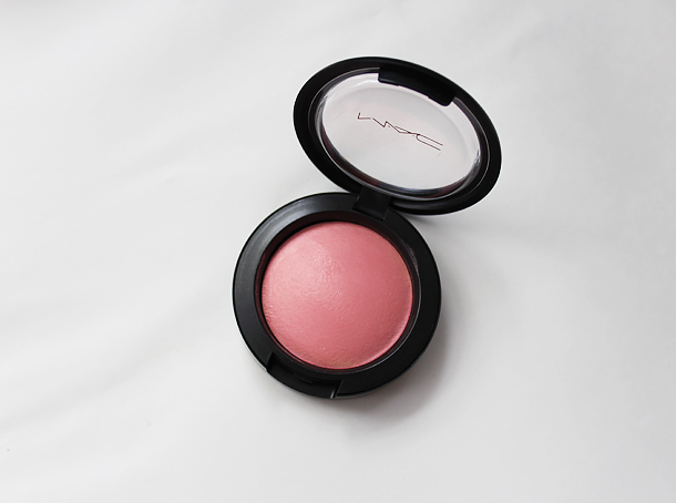 mac mineralize blush dainty swatch review nc30