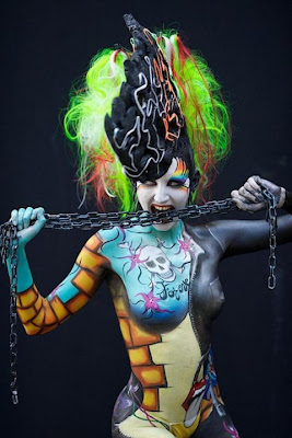 Extreme-Body-Painting-Airbrush-Devil-Design-2