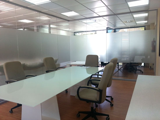 Mampara de Oficina modelo Diglass