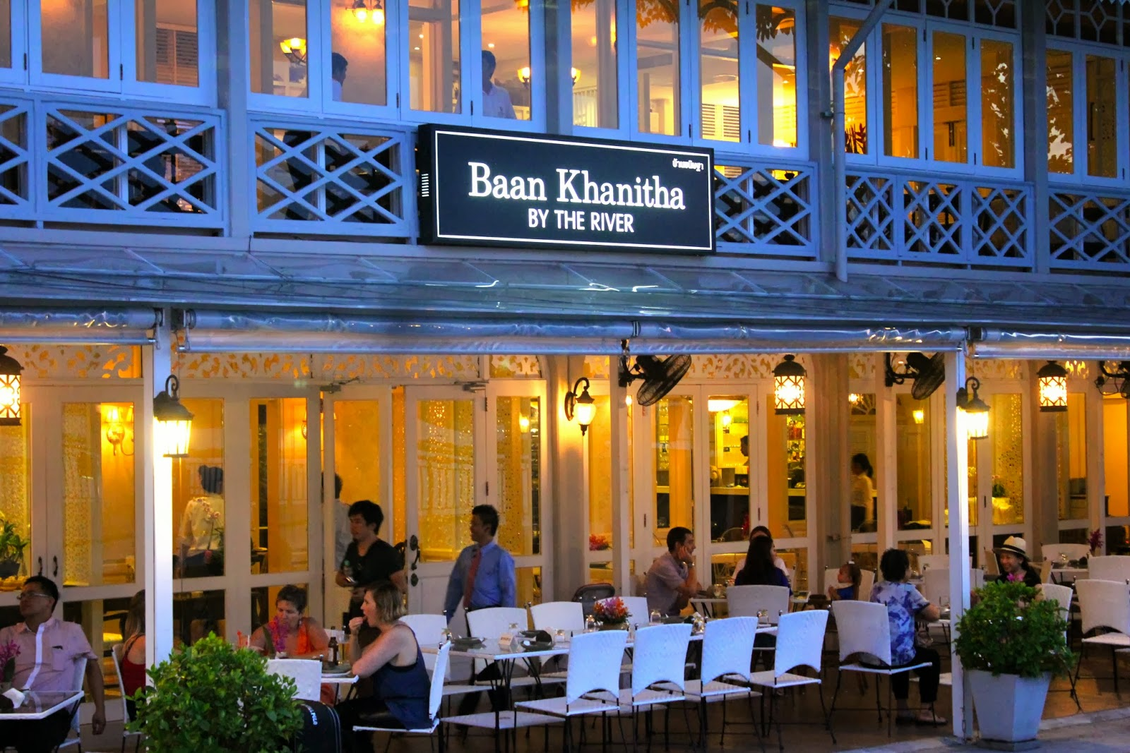 Nichology baan khanitha bangkok by the river for Asiatique cuisine